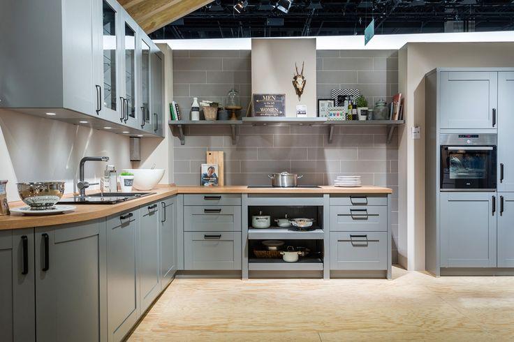 szara-kuchnia-z-drewnianym-blatem.jpg (1050×700)