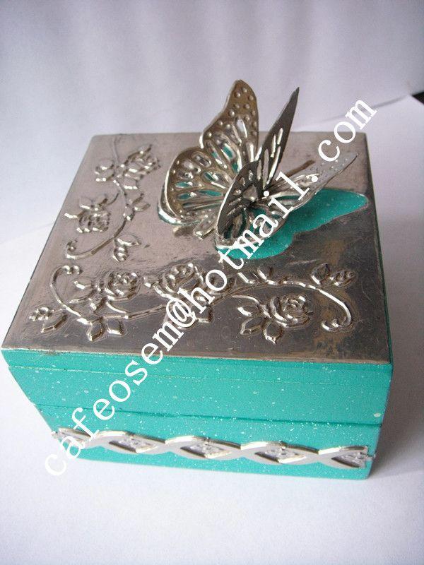 Caja de madera decorada en repujado recuerdos para xv - Cajas de madera decoradas ...