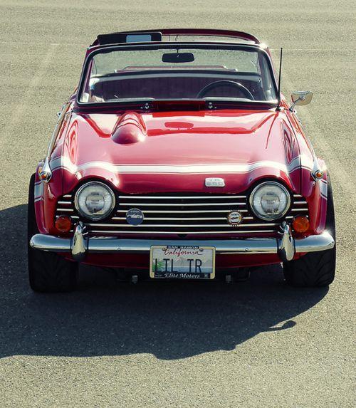 Triumph TR5.