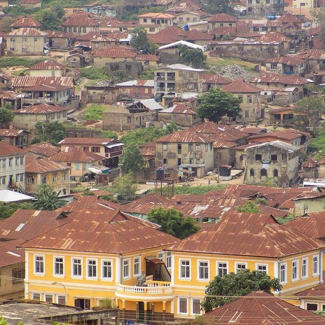 Thanks to Idera for pointing out the yellow house ! #Ogunstate #Abeokuta #Nigeria