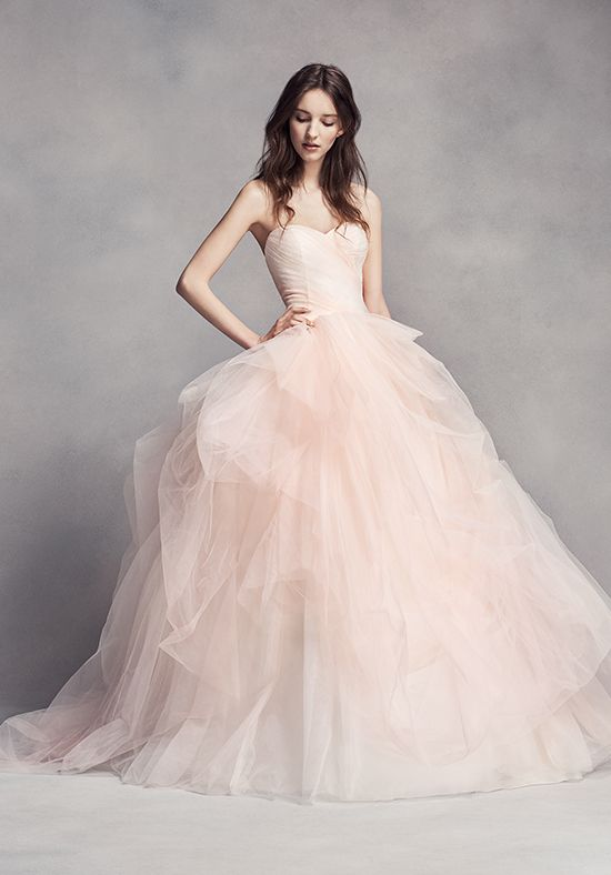 Tulle Ombré Gown with Sweetheart Neckline | White by Vera Wang VW351322 | http://trib.al/iu26ECf