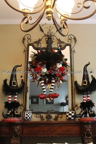 Add wreath to mirror above fireplace. Nice idea.