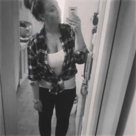 OOTD #flannelshirt #whiteshirt #warches #leggins #hairbun