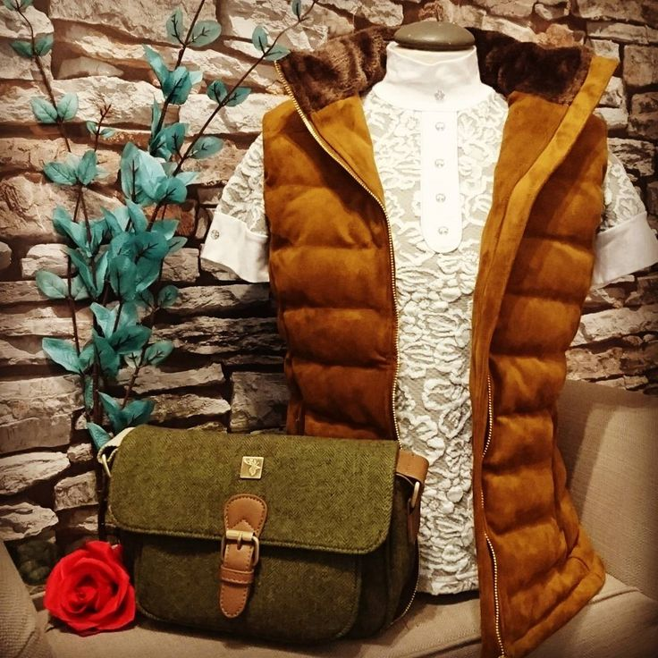 Love this country outfit inspiration! Sporting Hares Windermere Gilet in Honey Tan colour teamed with House of Tweed Small Satchel in green tweed | Lofthouse Equestrian | Click the link for more info!