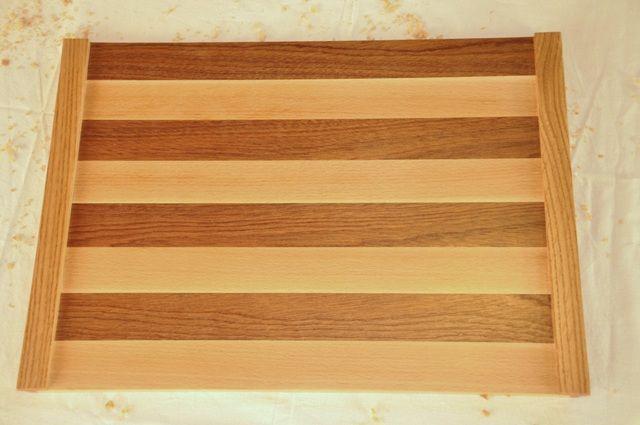 Mantel individual combinando distintas maderas