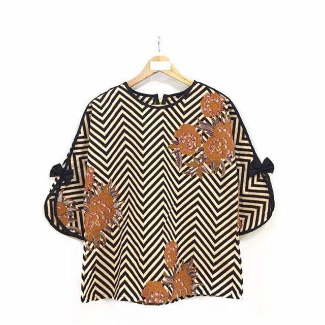 Temukan dan dapatkan Blouse batik hanya Rp 124.000 di Shopee sekarang juga! http://shopee.co.id/nurika.batik/243026752 #ShopeeID