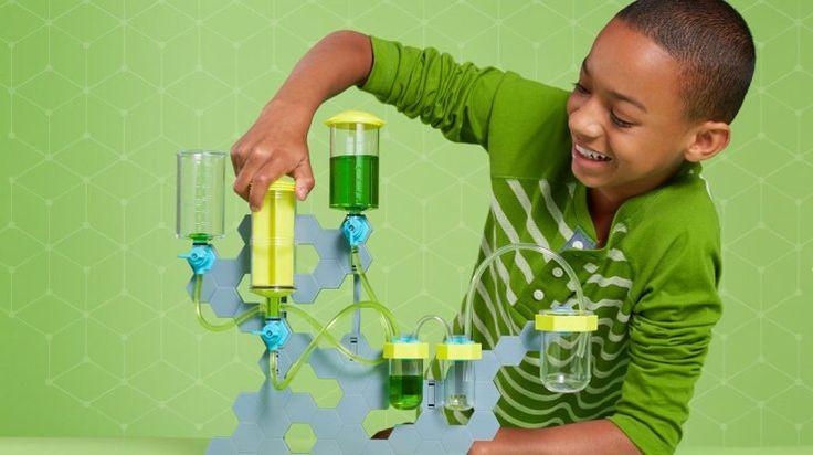A Amazon acaba de lançar um novo serviço de assinatura mensal focado no público infantil. É o STEM Club (STEM é a sigla em inglês para ciência, tecnologia, engenharia e matemática), que envia mensalmente um brinquedo educativo focado nessas áreas. O serviço custa U$19,99 por mês e é dividido em três categorias: 3-4 anos, 5-7 anos e 8-...