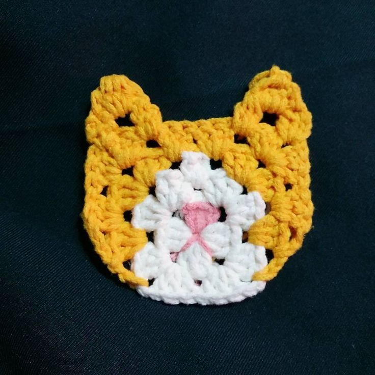 #grannysquarecat #cheese | Awwwwww! I bet I could figure out how to make a square around the head make an afghan! IT COULD BE A NEKO ATSUME AFGHAN.