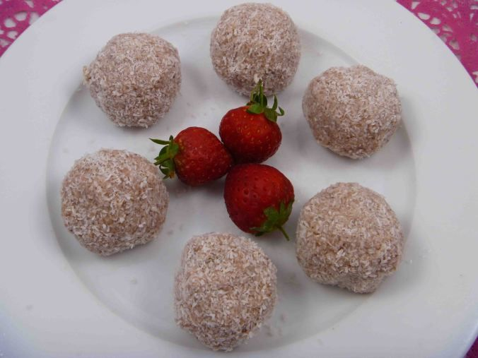 Find the recipes for these tasty Strawberry and coconut protein balls over at my blog.