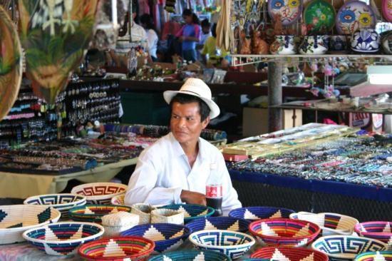 El Valle de Anton, Panama: Colorfull Sunday Market