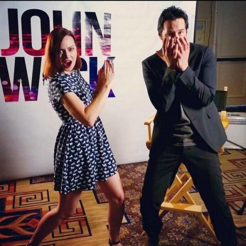 This man knows how to have fun :) source This is Alicia Malone from Fandango who did a funny interview with Keanu for John Wick https://www.youtube.com/watch?v=sHK-YgJdhbc
