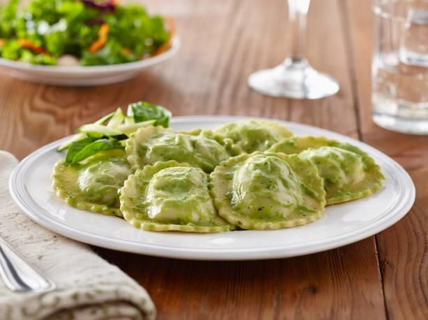 Fresh Spinach & Cheese Ravioli with Creamy Vegan Zucchini Sauce: Enjoy delicious fresh spinach and cheese ravioli with guilt-free zucchini cream sauce. Full of flavor and goodness, this dish will leave your taste buds and stomach satisfied. [Sponsored by Monterey Gourmet Foods]