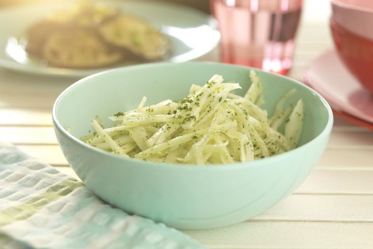 This fennel salad from Martin Wishart is simple and crunchy.  The fennel salad is dressed with parmesan, lemon, parsley and olive oil