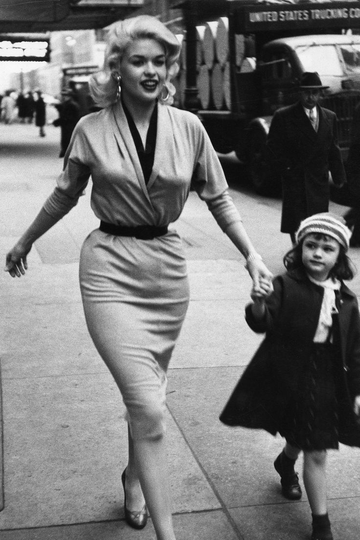 Retro daughter pussy Jayne Mansfield with her young daughter Mariska Hargitay (today the star of  Law & Order