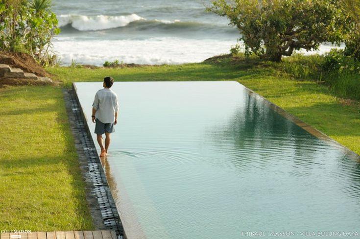 Les 244 meilleures images concernant autour de la piscine for Piscine qui deborde