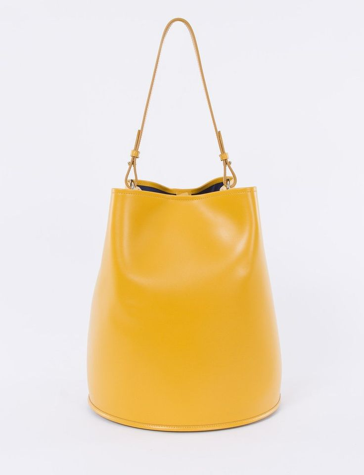 Bucket Bag Large Calf Leather – Creatures of Comfort