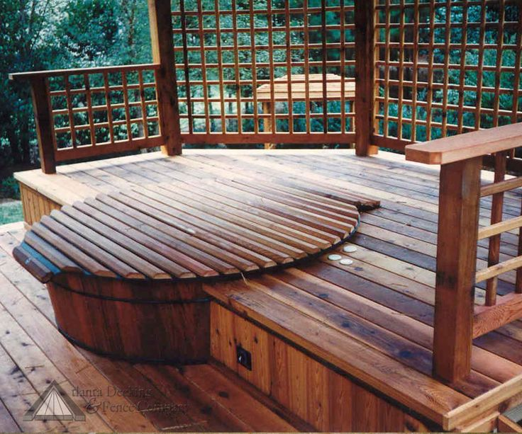 Love the idea of matching the decking and tyeng it into the cover for the hot tub.