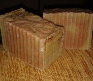 Rózsaszín agyagos pipere szappan