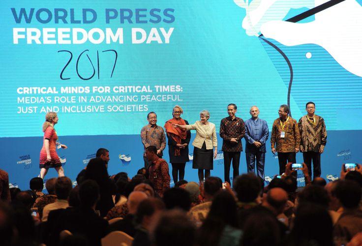 Presiden Jokowi saat hadir dalam acara Press Freedom Day 2017, di Jakarta Convention Centre (JCC) Senayan, Jakarta Pusat, Rabu (3/5) malam. JAKARTA ,03 May 2017-Presiden Joko Widodo mengatakan, mes…