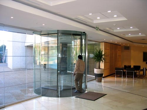 Project: Liberty Life Head Office  Land:Zuid-Afrika  Plaats:Johannesburg  Product:Crystal Tourniket  Segment:Kantoorgebouwen