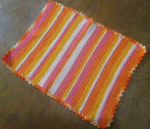 Toalhinha de Crochê feita com linha. 34x26cm R$ 21,28: Washcloth To, Line, Quaver