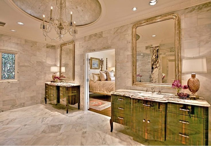 Luxury bathroom with an Italian marble floor  #marble #floor #bathroom #interior #naturalstone