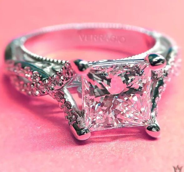 Verragio engagement ring! Princess cut ❤️