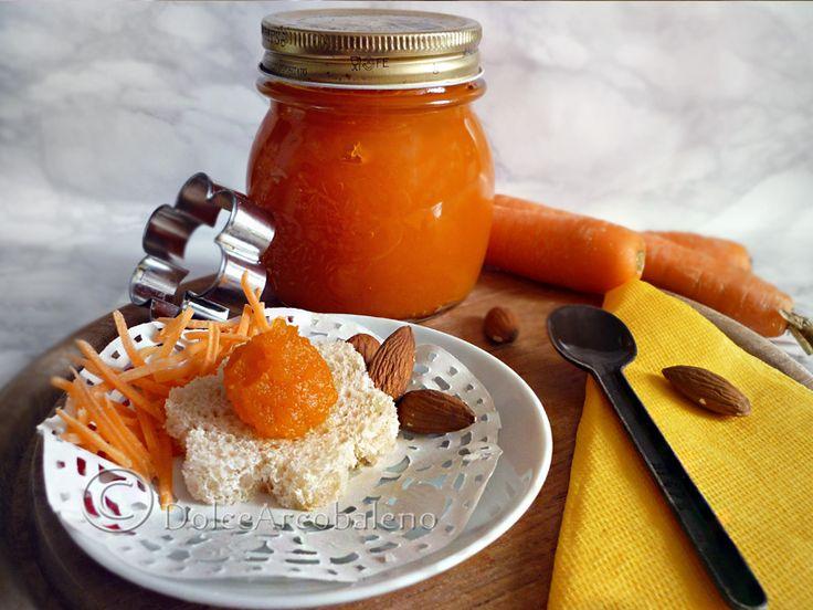 Marmellata di carote e mandorle