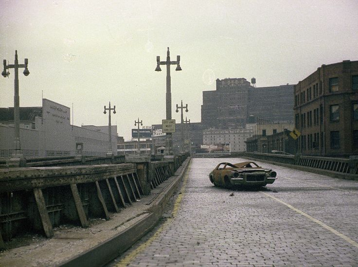 whattheendoftheworldlookedlike:  The West Side Highway New York City 1975.