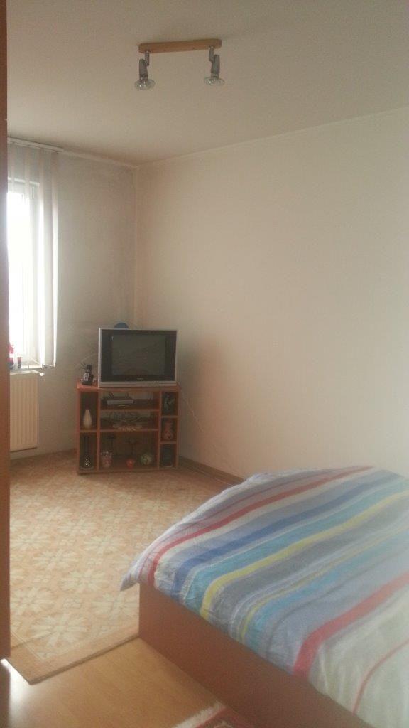Vanzare apartament 2 camere mobilat zona Grivitei ,Brasov