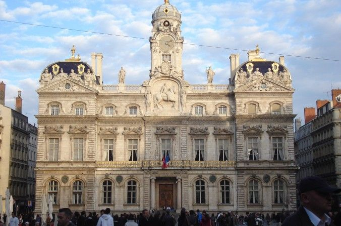 Lyon City Hall is an example of the affluence the silk industry brought to the city in its heyday. (Gonedelyon/Wikimedia Commons)