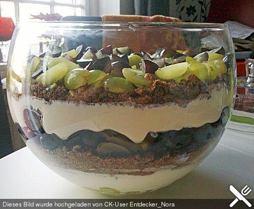 Schichtdessert mit Weintrauben, ein tolles Rezept aus der Kategorie Dessert. Bewertungen: 76. Durchschnitt: Ø 4,6.