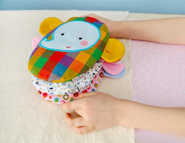 Buckwheat heating pillow for babies / Šapitó