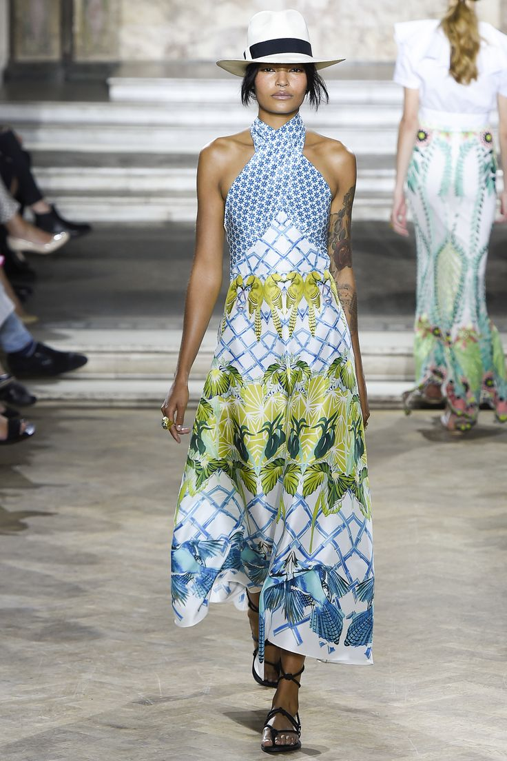 Temperley London Spring 2016 Ready-to-Wear Fashion Show: