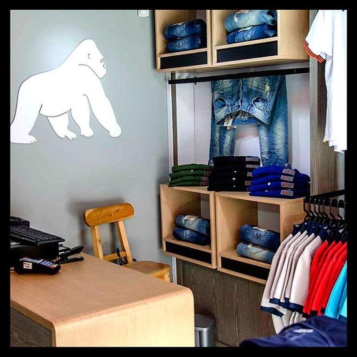 Te esperamos pronto en nuestras tiendas para que al fin te lleves contigo #Ungorilaenelpecho. Encuentra #PolosGoco #T-ShirtsGoco #PantalonesGoco en:  Laureles: Av Jardín, Cra 73 #Circular 1–15 Envigado: Calle 30 sur # 45- 20  Guayabal: Cra 52 #29A111 Centro Mercantil  Bucaramanga: Cra 36 #41-47 local 2  #BeGoCo #Casualwear #Style #MenCollection #menstyleguide #polos #mensfashion #mensclothing #stylegram #fashiongram #algodón #cotton #hechoencolombia