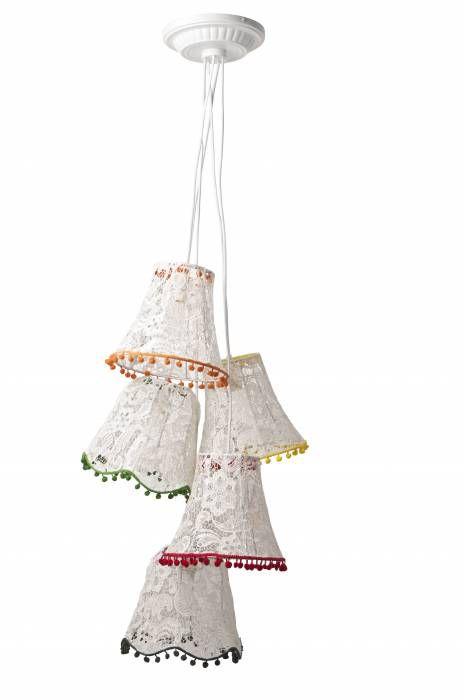 Zuiver Lamp Granny Lace  Description: - Monteren aan plafond d.m.v. plafondplaat - Afmeting van deze hanglamp is 130 cm hoogte en 50 cm breedte - 230 volt lampen 25 watt of spaarlamp E14 Normaal:&eur;195- Bij Woon:&eur;179-  Price: 179.00  Meer informatie  #woononline