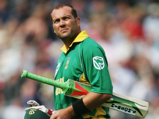 Jacques-Kallis : If we talk about the best all rounders, no one can beat the elegance and class of Jacque Kallis. He has scored over 24,000 runs with 500+ wickets in his career. His class is matchless.