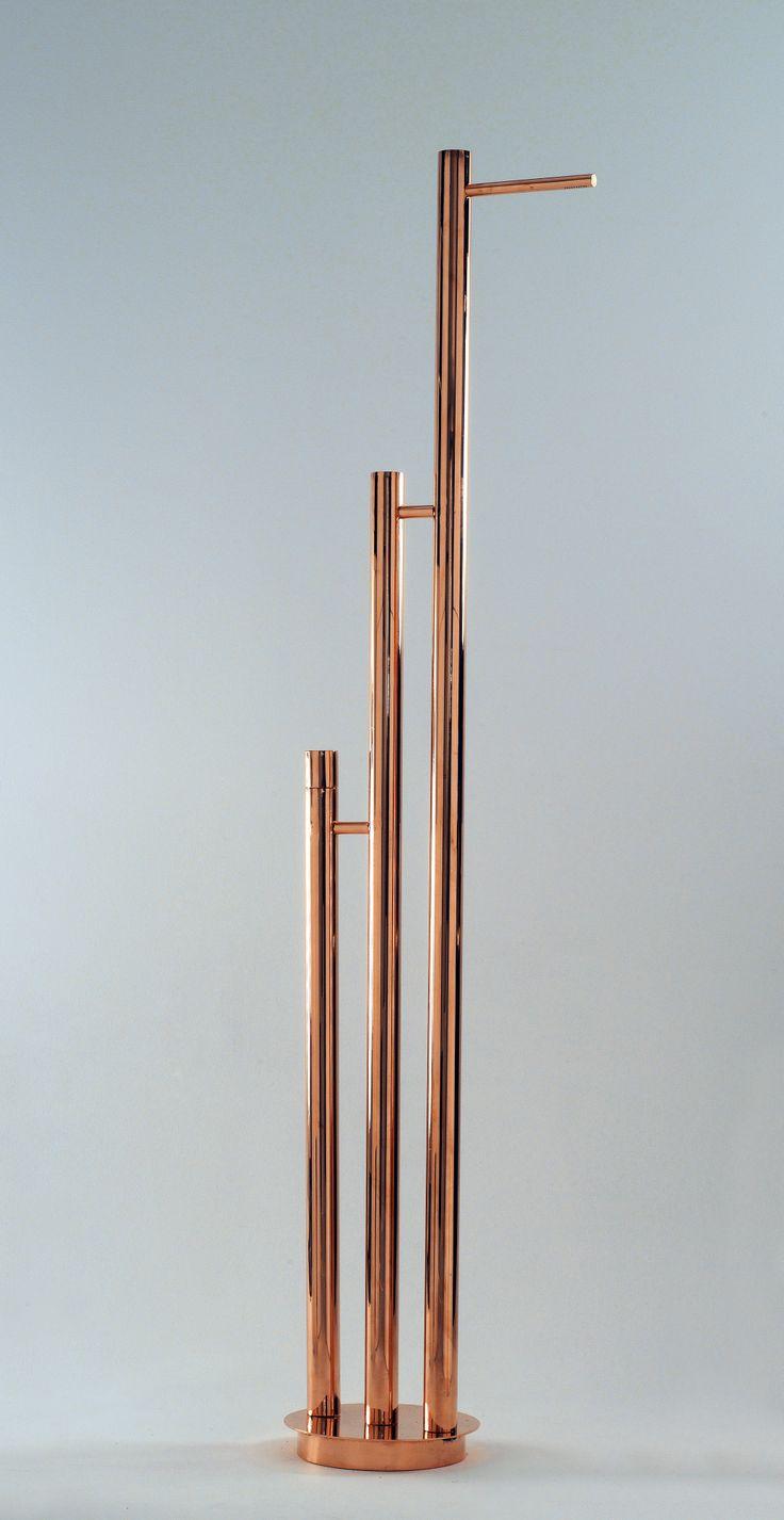 SOTTOILSOLE - Doccia per esterni; Design: Laura Sonzogni; Produzione: Frabo