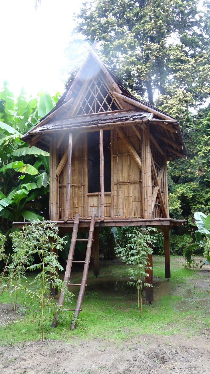 17 mejores ideas sobre cabane sur pilotis en pinterest maison sur pilotis terrasse bois sur - Cabane de jardin fait maison saint paul ...