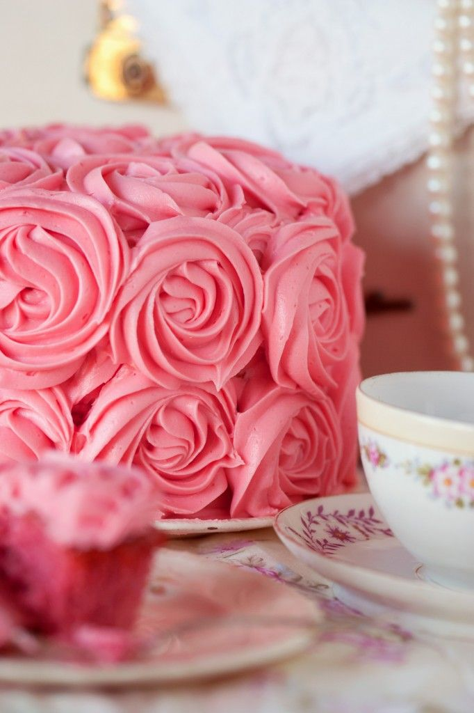 Pink Roses everywhere - beautiful pink cake for weddings, birthdays, Valentines Day,