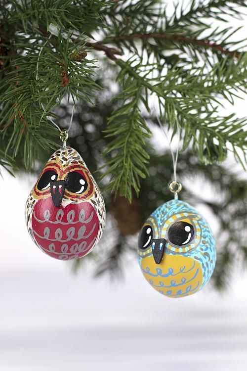 Owl Pair Ornaments from Gourds -- Paint these perfectly-shaped owl ornaments using Americana Multi-Surface. #decoartprojects