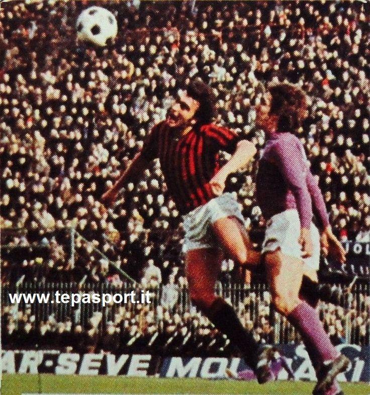 ACF Fiorentina - A.C. Milan  Egidio Calloni colpisce di testa contrastato da Giancarlo Galdiolo ... ⚽️ C'ero anch'io ... http://www.tepasport.it/  Made in Italy dal 1952