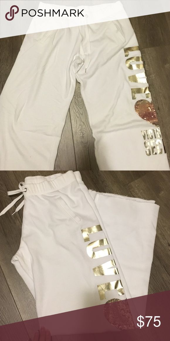 Victoria's Secret pants Victoria's Secret white Embellised pants with draw pull string and pockets they are brand new never been worn but the tags are long gone of you have any questions please feel free to ask Victoria's Secret Pants Track Pants & Joggers