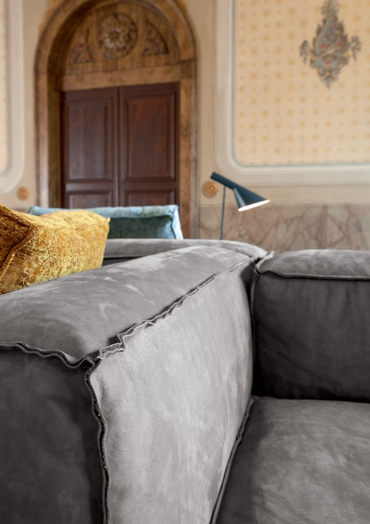 Flexteam sofa reef in 2019 hotel palazzo platamone for Martinel mobili