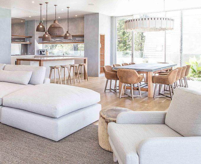 Uniqwa furniture and layout