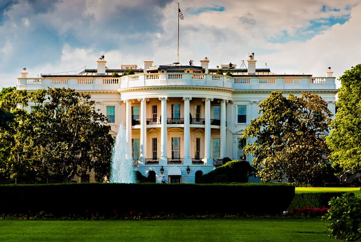 Airbnb wants to offer up a historic vacation rental inside the nation's most famous residence: the White House. During a TV interview Monday, Airbnb CEO and co-founder Brian Chesky said he recently...