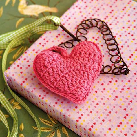 Decorate a gift with this crocheted heart – and give two gifts in one!