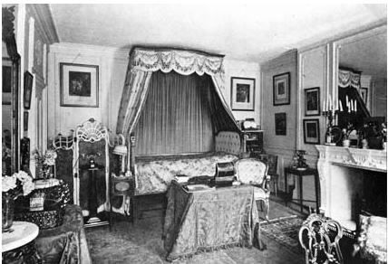 Dame Nellie Melba's bedroom at Coombe Cottage with a French bed.