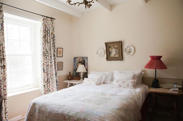 http://www.perfecthideaways.co.za/Details/Bloomsbury-Cottage?Itemid=