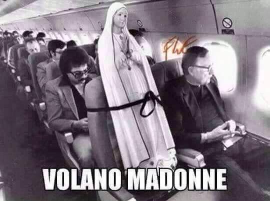 Posso confermarlo!! Fatto accaduto realmente per un viaggio verso il Cile dove mia zia suora(Rachela o Alessandra)è riuscita a convincere i piloti di bordo a far trasportare la sua Statua della Madonna in pietra e marmo, ben al di sopra del peso consentito